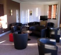 aménagement mobilier club lounge