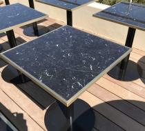 plateau de table carré marbre cadre laiton