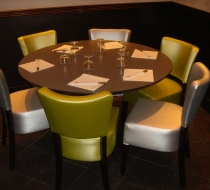 grande table ronde restaurant