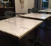 plateau marbre carrare cadre laiton